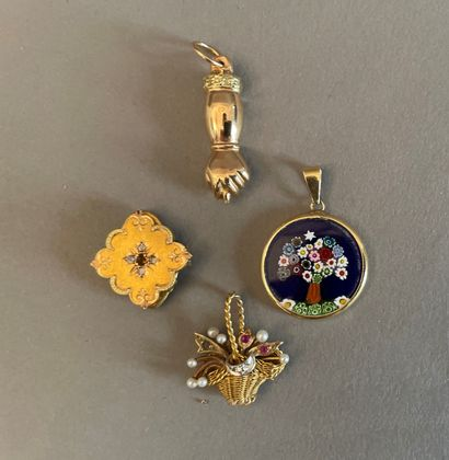 Lot of gold jewelry including :  - a