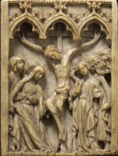 La Crucifixion  Plaquette d'ivoire sculpté...