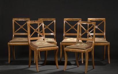 Suite de six chaises en bois de loupe et...