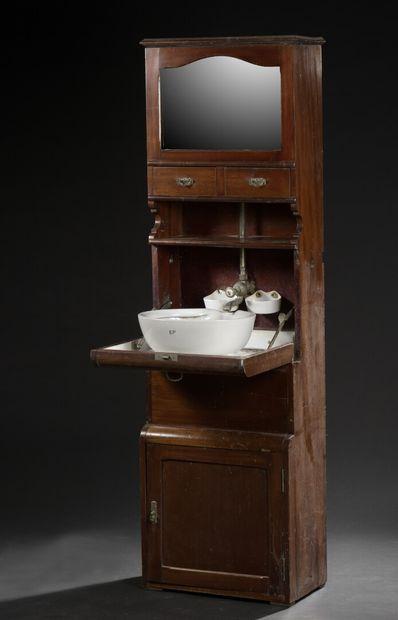 Cabinet de toilette de bateau en acajou,...
