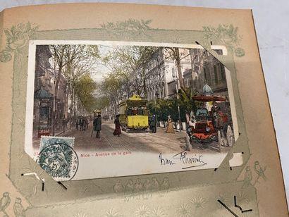 Un album de cartes postales de Bretagne,...