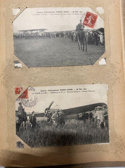 Un album de cartes postales de la Bourgogne,...