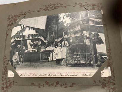 Un album de cartes postales anciennes de...