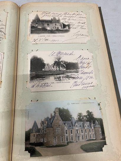 Un album de cartes postales du Maine-et-Loire,...
