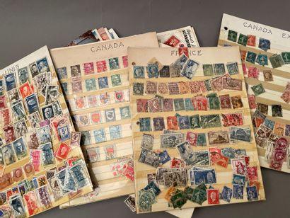 Petit lot de timbres et cartes postales...