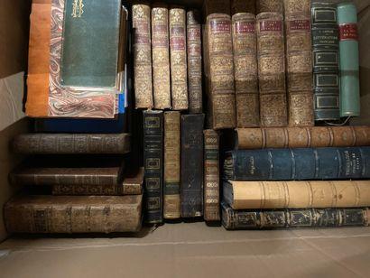 Caisse de livres reliés et divers