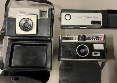 Trois appareils photos KODAK.