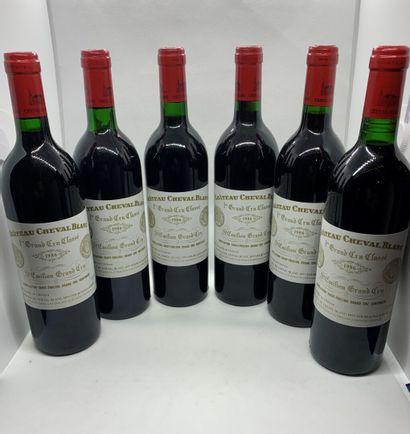 12 bouteilles de Château CHEVAL BLANC 1er...