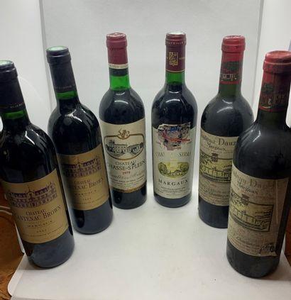 12 bouteilles dont 2 Château CANTENAC-BROWN...