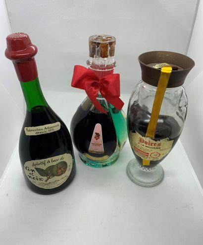3 bouteilles d'alcool de fruits dont une...
