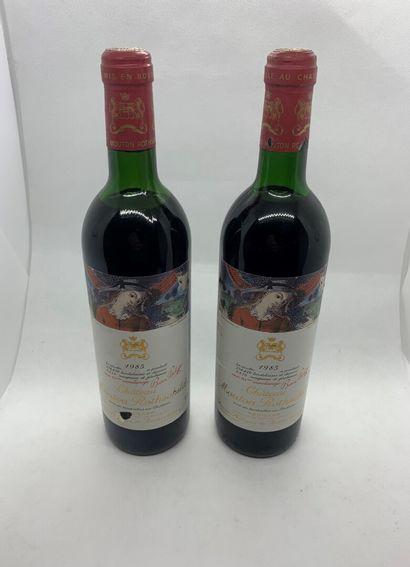 2 bouteilles de Château MOUTON ROTHSCHILD...