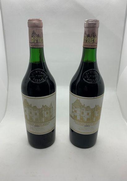 2 bouteilles de Château HAUT-BRION, Premier...