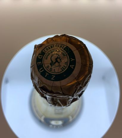 1 jéroboam de Champagne DEUTZ, étiquette légèrement sale, collerette et coiffes...
