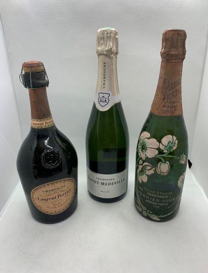 3 bouteilles de CHAMPAGNE dont 1 de PERRIER-JOUET...