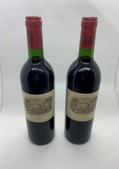 2 bouteilles de Château LAFITE ROTHSCHILD...