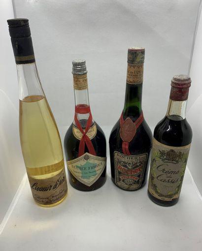 1 Cherry Rocher Frères, 1 Crème de Cassis...