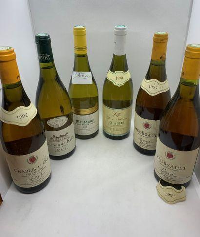 12 bouteilles dont 2 PERNAND VERGELESSES PREMIER CRU LES VERGELESSES 1992 du Domaine...