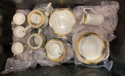 Service à thé et café en porcelaine de L...