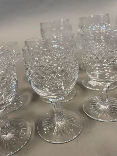 Small set of stemmed glasses in diamond cut crystal including 5 large glasses, 9...