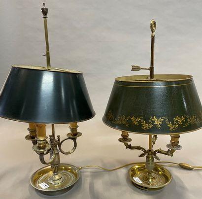 Deux lampes de bouillote à trois lumières...