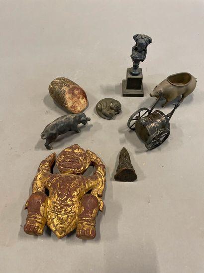Lot d'objets de collection : pierre dure,...