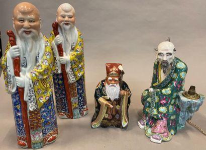 Ensemble de sages en céramique émaillée polychrome...