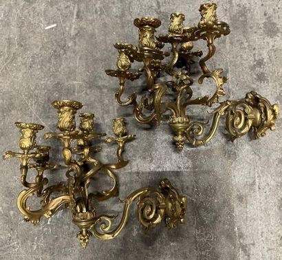 Paire d'appliques en bronze doré à six lumières...