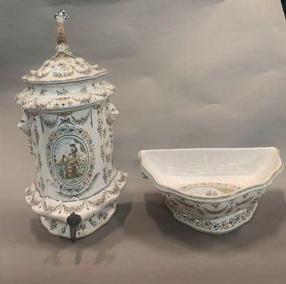 Fontaine et son bassin en faïence, à riche...