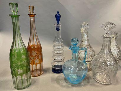 Lot de carafes en verre et cristal, certaines...