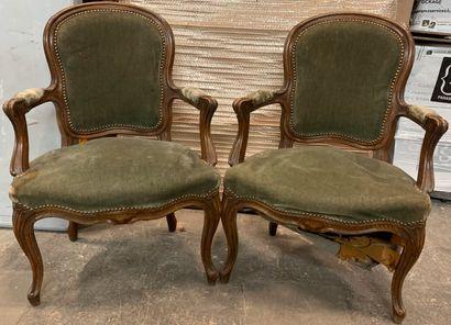 Paire de fauteuils cabriolet.  Style Louis...