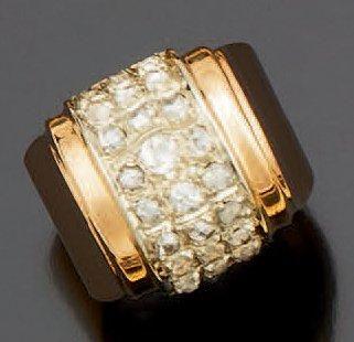 Bague «Tank» en or jaune sertie de diamants...