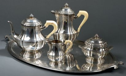 Service à thé et café en argent de forme...
