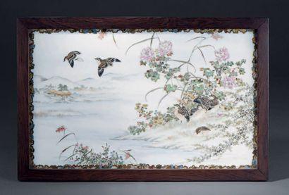 Trois plaques de porcelaine peinte, Japon...