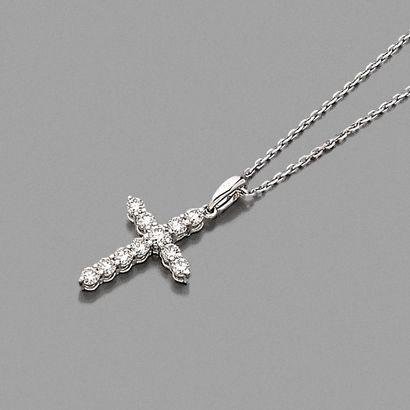 • PENDENTIF « croix » et sa chaînette en...