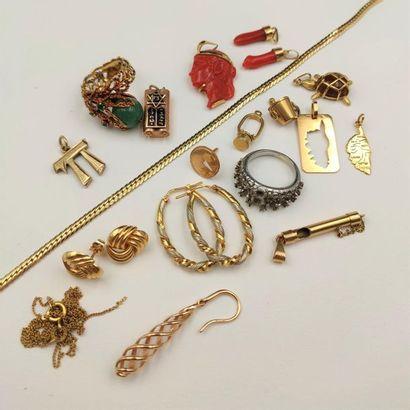 •LOT en or jaune, gris et rose (750‰) comprenant:...
