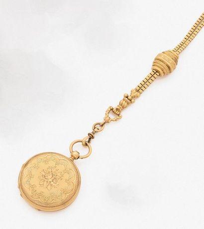 •MONTRE de COL savonnette en or jaune (750‰)...