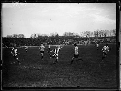 Football féminin : France-Angleterre - 1920...