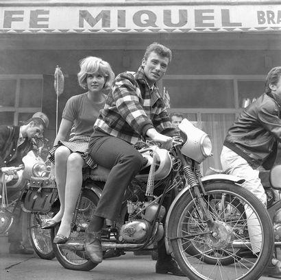 Sylvie Vartan et Johnny Hallyday - 1963 ©...