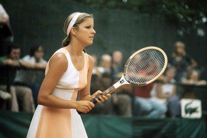 Chris Evert, Roland-Garros - 1975 © Serge...
