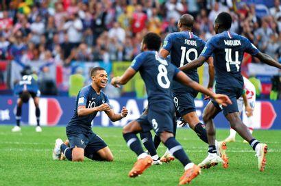 Kylian Mbappé, Thomas Lemar, Djibril Sidibé,...
