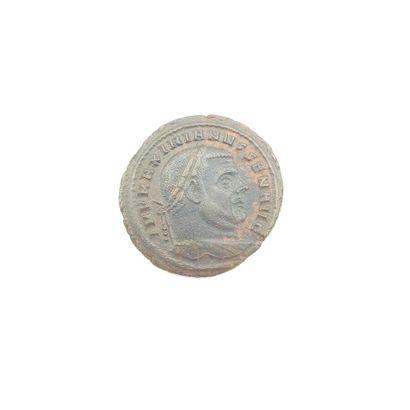 Maximien Hercule (305-308). Follis au temple,...