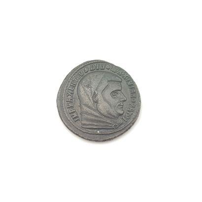 Maxence pour Maxence divinisé (306-313)....