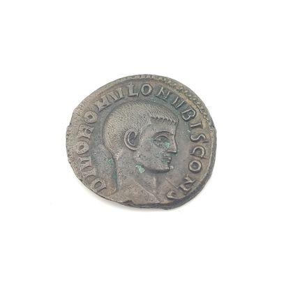 Romulus divinisé, fils de Maxence (306-312)....
