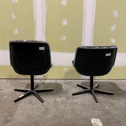 Charles POLLOCK (1930-2013) pour Knoll  Une chaise et un fauteuil Pollock, coques...