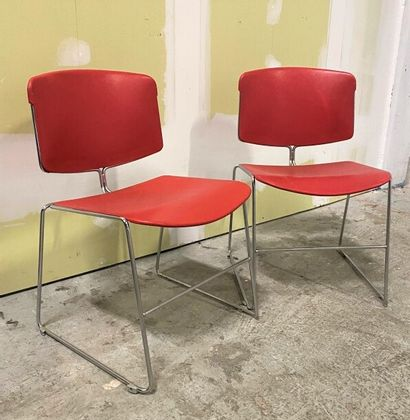 Max STACKER  STEELCASE Editeur  Paire de chaise en fil de métal chromé et assise...