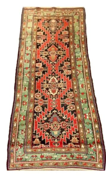Tapis Caucase de Karabar à quatre médaillons...