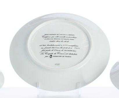 DALI Salvador (1904-1989) Cinq assiettes en porcelaine de Limoges à décor de «La...