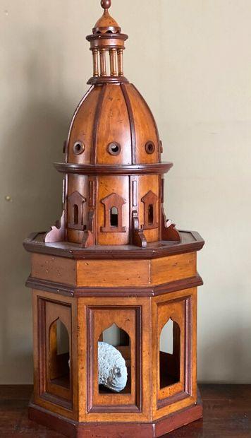 Maquette en bois de clocheton.; Hauteur :...