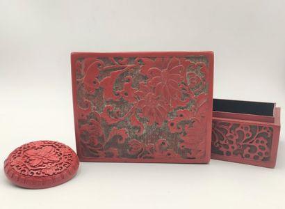 CHINE  Deux boîtes en laque de cinabre rouge...