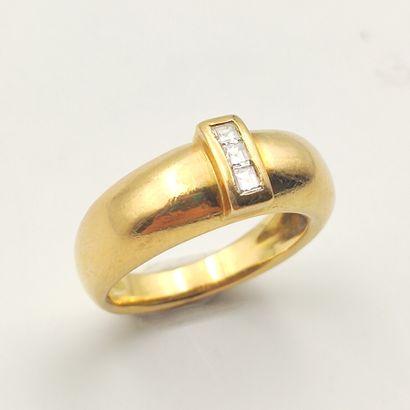 BAGUE «jonc» en or jaune (750 millièmes)...